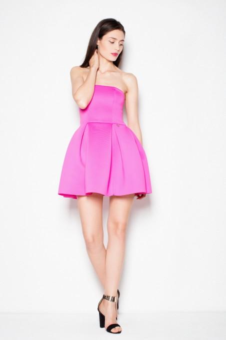 Rožinė suknelė be petnešėlių